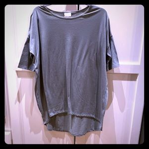 Lulu roe size small ( but large) top.